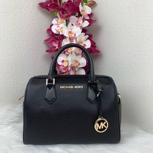Michael Kors Bedford Lg duffle satchel